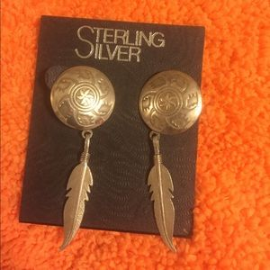 Jewelry - Native American Sterling Bear Claw/Feather Earring